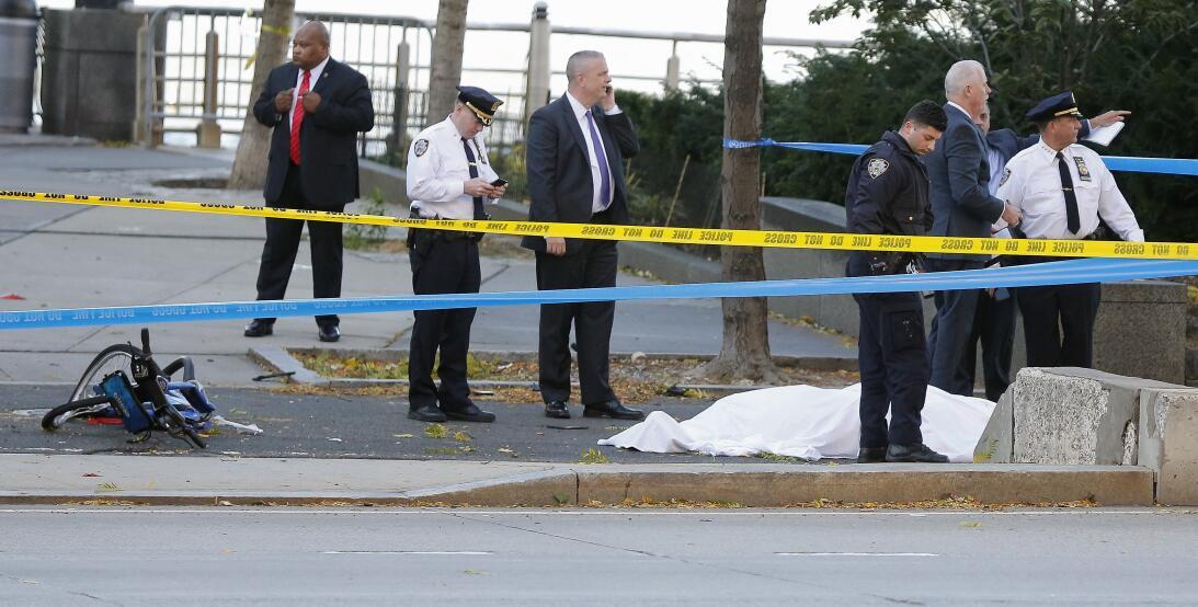 Autoridades en el lugar de del incidente.