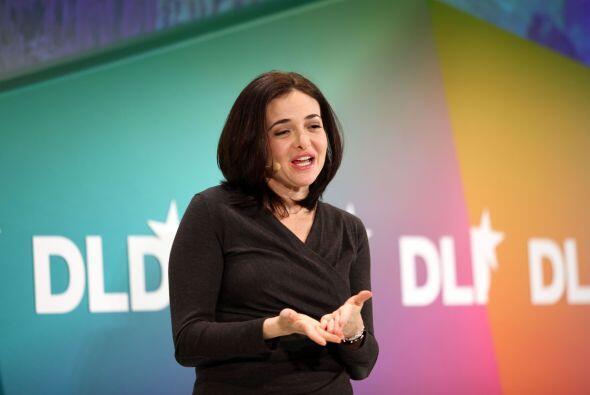La jefa de operaciones, Sheryl Sandberg, un ex alto ejecutivo de Google...