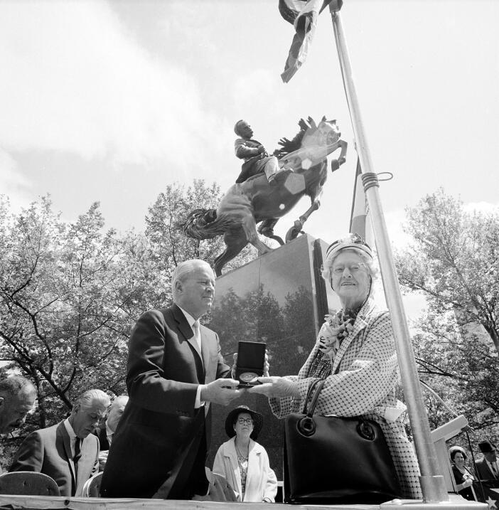 NYC MARTI STATUE HUNTINGTON. Richard C. Patterson Jr., commissioner of p...