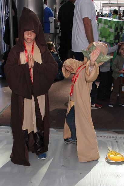 Pero si eres pequeñín, el disfraz de Yoda te quedará perfecto.