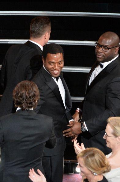 Chiwetel Ejiofore y Steve McQueen estuvieron muy platicadores en los cor...