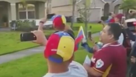 Escrache, una forma de protesta espontánea en contra de chavistas que se...