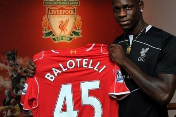 Mario Balotelli es nuevo jugador del Liverpool. El delantero italiano re...
