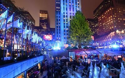 Autoridades brindan seguridad en el Rockefeller Center ante posibles ame...