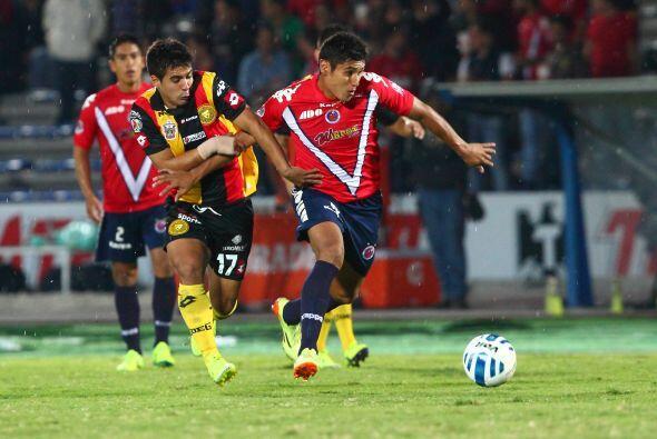 Veracruz tiene un medio campo renovado encabezado por Edgar Andrade quie...