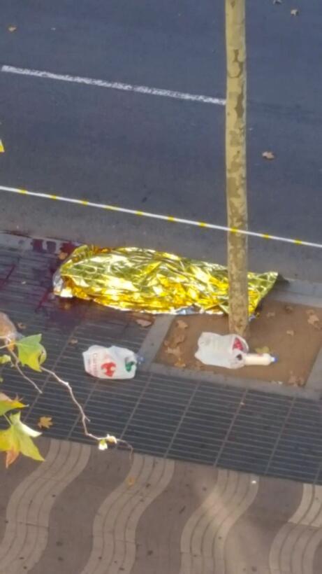 En fotos: El brutal ataque terrorista en la Rambla de Barcelona 2017-08-...