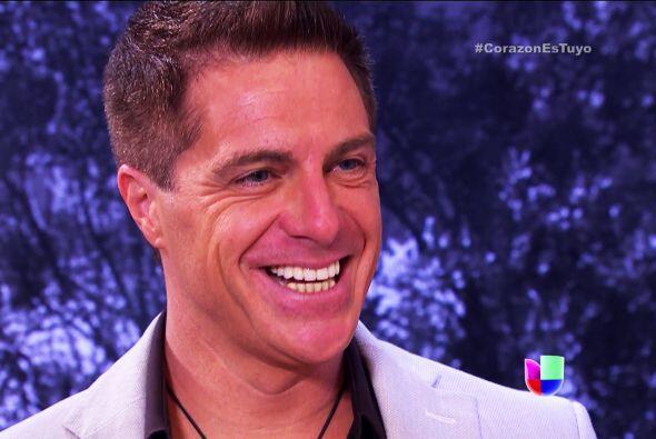 Esa sonrisa no nos engaña, lástima que Fernando no sospecha nada de tus...