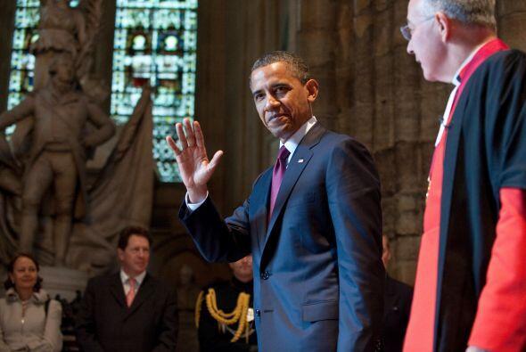 También visitó la Iglesia de Westminster, donde fue recibido por John Hall.