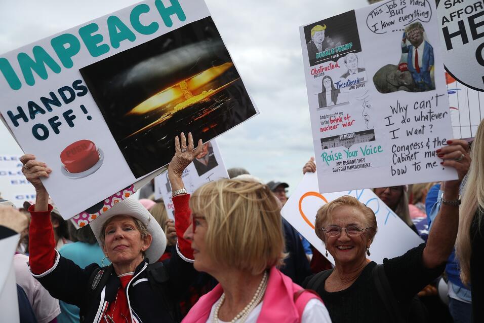 Protesta mujeres sábado mar a lago