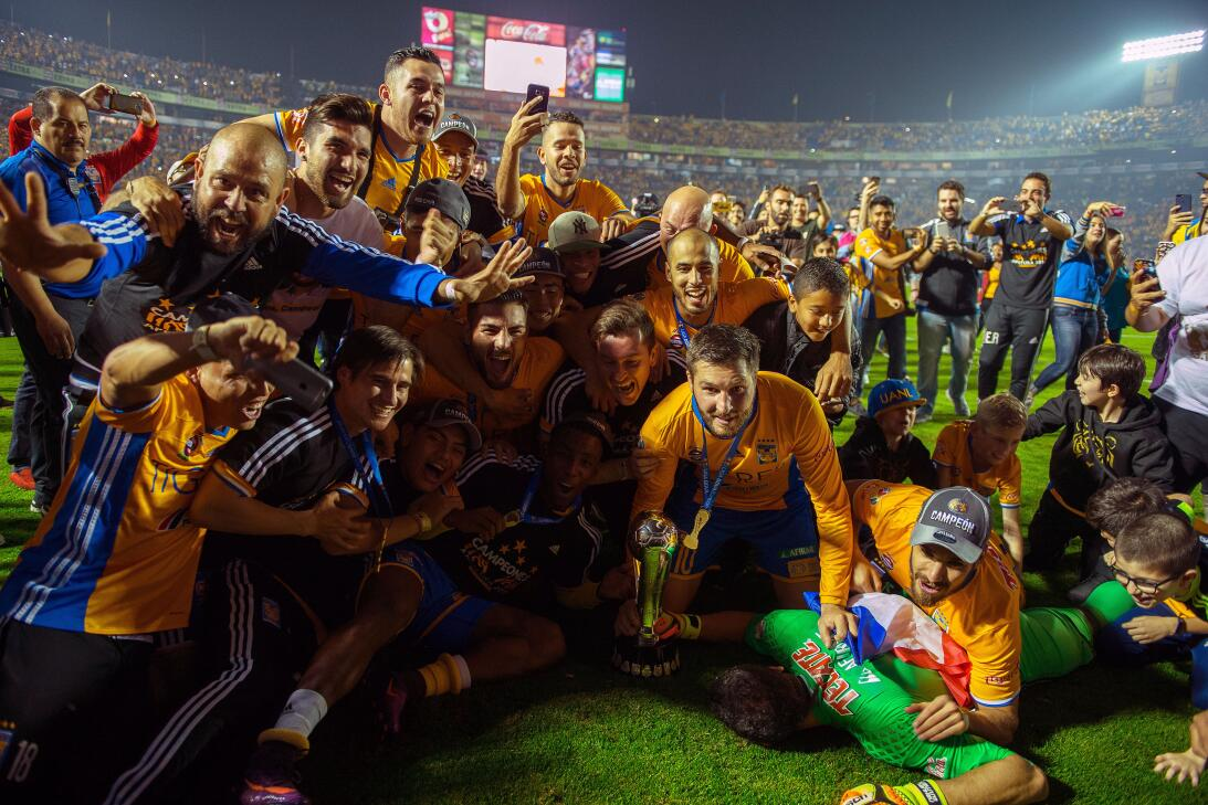 Jesús Corona y su trayectoria con el Cruz Azul 012 Tigres Campeón Ap 201...