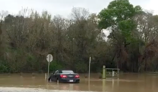 Acumulación de aguas en vías de Houston