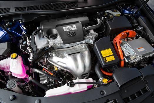 Toyota Camry Hybrid 2015- Este tiene una gran eficiencia de combustible...