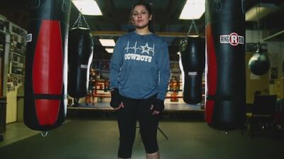 Esta joven superó las luchas más difíciles de su infancia y ahora sorprende con sus habilidades en el ring