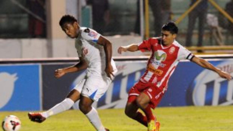 Deportes Savio sorprendió a Real Sociedad en semifinales de Honduras.