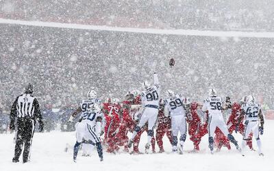 Con una nevada espectacular en el Estadio Ralph Wilson, los Buffalo Bill...