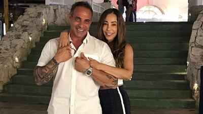 Se pusieron muy románticos: Gelena Solano se fue de vacaciones con su esposo