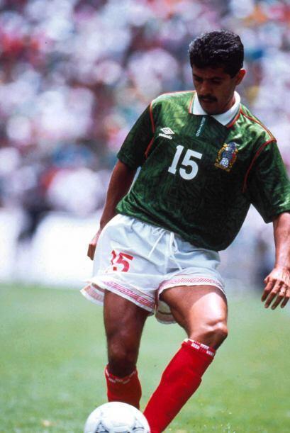 A mediados de los 80's, el delantero Luis Flores tuvo la oportunidad de...