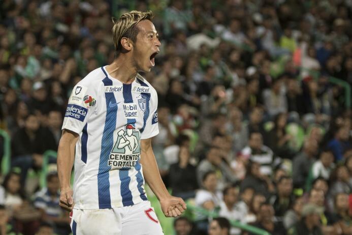 Emocionante empate entre Santos y Pachuca keisuke-honda.jpg