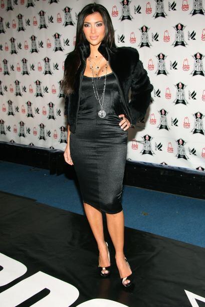 Es presentadora de televisión, actriz, modelo y cantante.