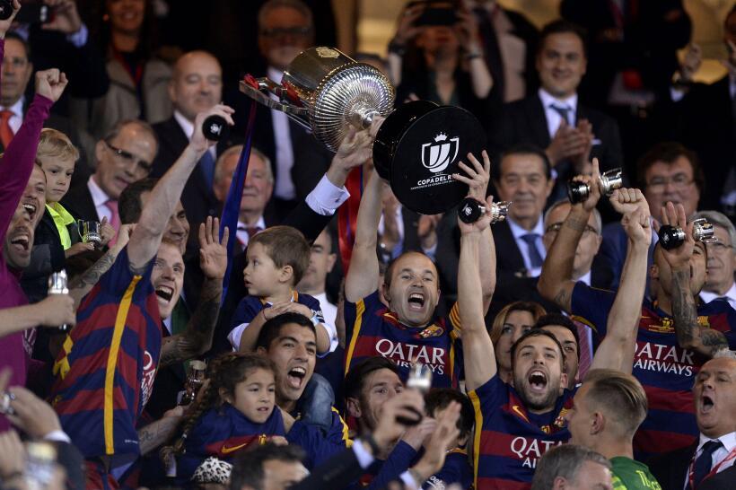 Barcelona logra el doblete