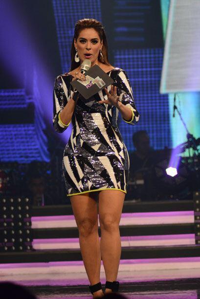 Galilea Montijo nos dio la bienvenida y anunció la actuación de Ricky Ma...