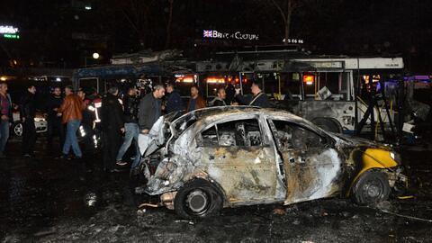 Primeras imágenes del auto bomba usado de Turquía que deja al menos 27 m...