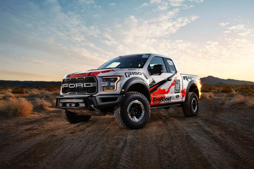 "Ford F-150 Raptor 2017 llega a ""Best in the Desert"" Hero-01-C1.jpg"