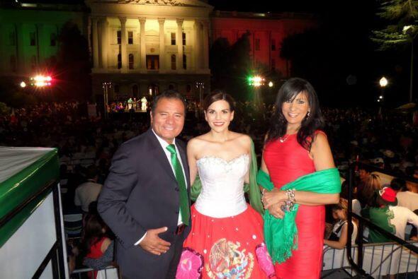 Jairo Díaz Pedráza, Maribel López y Karina Banda  Detrás vemos el Capito...