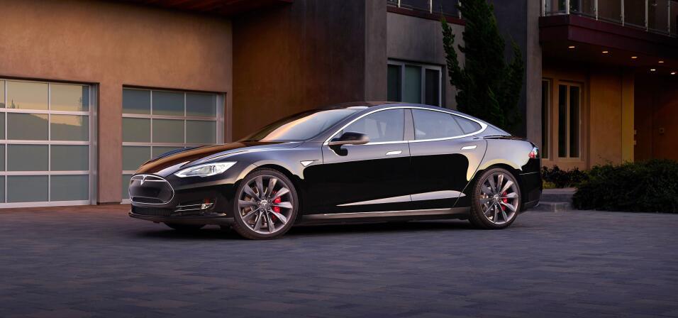 Tesla enfrenta despidos y retrasos en la producción del Model 3 hero-01.jpg