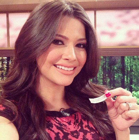 """""""Mi galletita de la suerte en @DespiertaAmericaTv decía """"Eres fuerte y v..."""