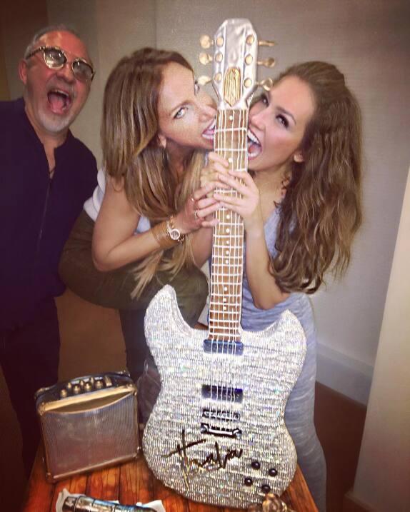 Lili Estefan acompañó a Thalía en su concierto en Miami y así se divirti...
