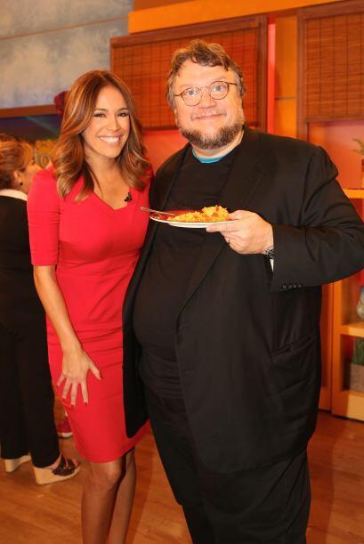 Aunque Karla no cocinó sí le tocó consentir a tan gran invitado.
