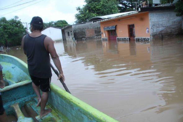 Los daños que dejó el huracán fueron 40 mil personas desplazadas, 14 mue...