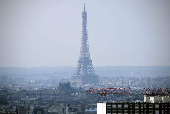 Incluso se creó un comité para desmantelar la torre.
