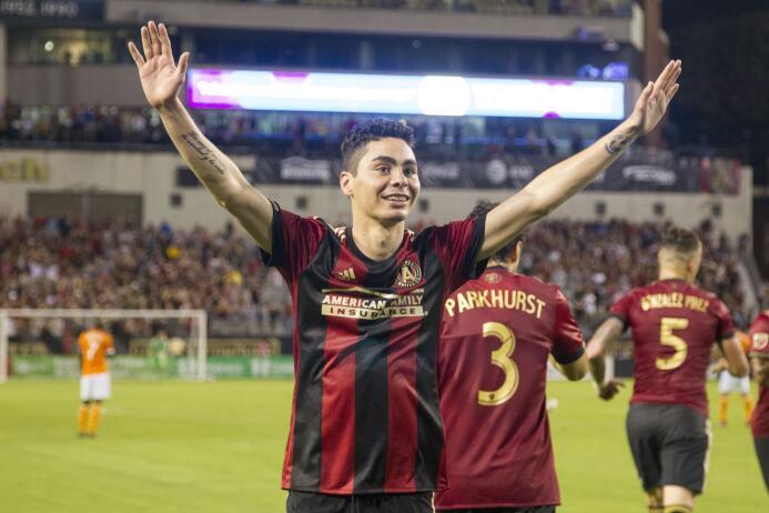 Miguel Almirón celebra su triplete con Atlanta United