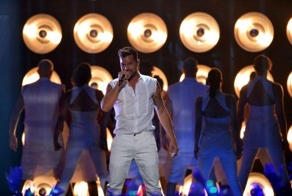 Como era de esperarse, su 'performance' puso a bailar a todo el público...