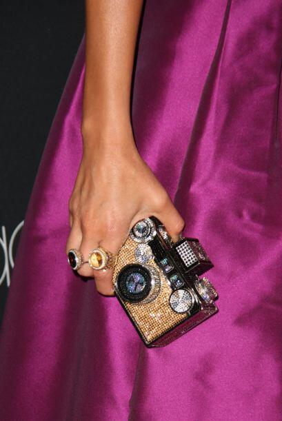Al parecer a los fotógrafos les encantó el accesorio, no podían dejar de...