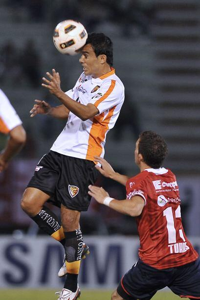 Jaguares de Chiapas perdió 2-1 ante Jorge Wilstermann de Bolivia, pero g...
