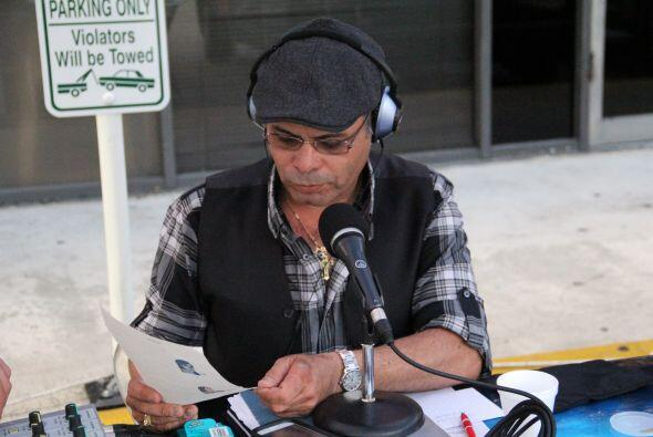 Jose estuvo transmitiendo Tardes Calientes desde El arepazo #2 donde se...