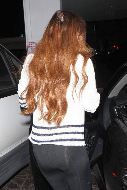 Pareciera  que esta famosa tiene una larga, tupida y sana cabellera &iex...