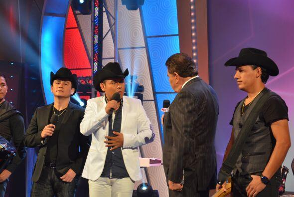Don Francisco platicó con ellos sobre su producción y su música. ¡Los he...