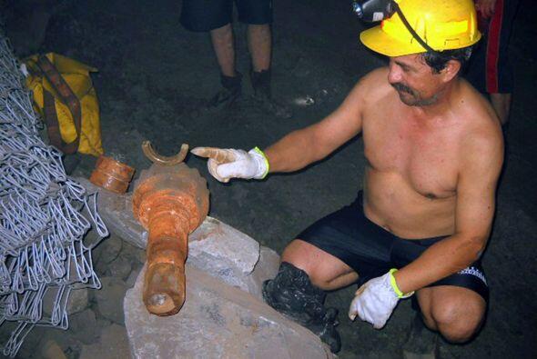 Ilanés es un ex militar que cumplió sus 52 años 700 metros bajo tierra.