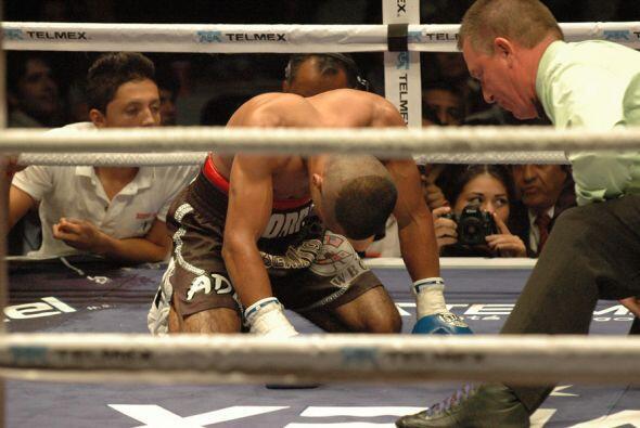 García se quejaba del golpe recibido en la boca del estomago.