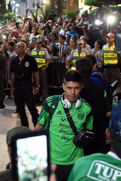 Aficionados y prensa siguen a la selección mexicana por todos lados.