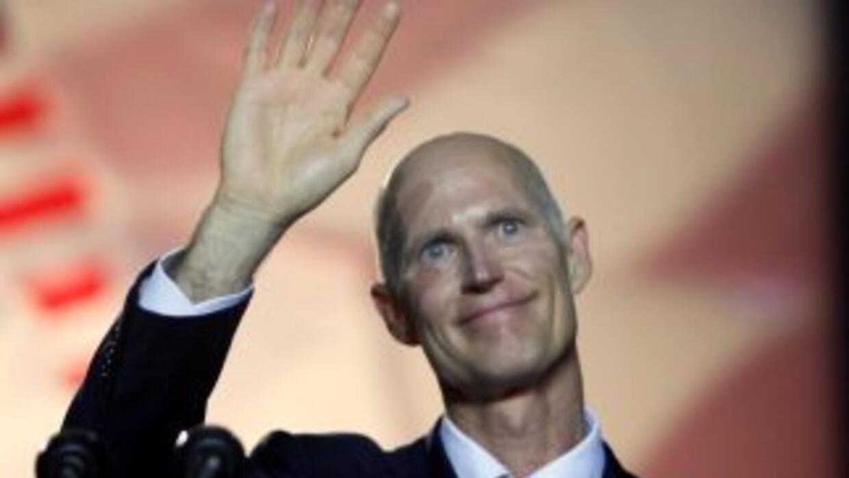 El republicano Rick Scott, de 57 años, ganó la gobernación de Florida po...