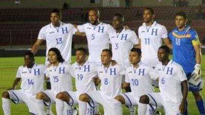 Entre los convocados por Suárez figuran 14 que juegan en el exterior, in...