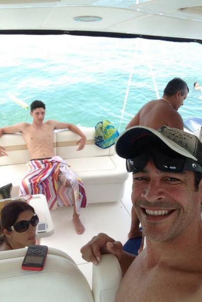"""""""Pasándola súper con mi familia y amigos disfrutando del rico sol de Mia..."""