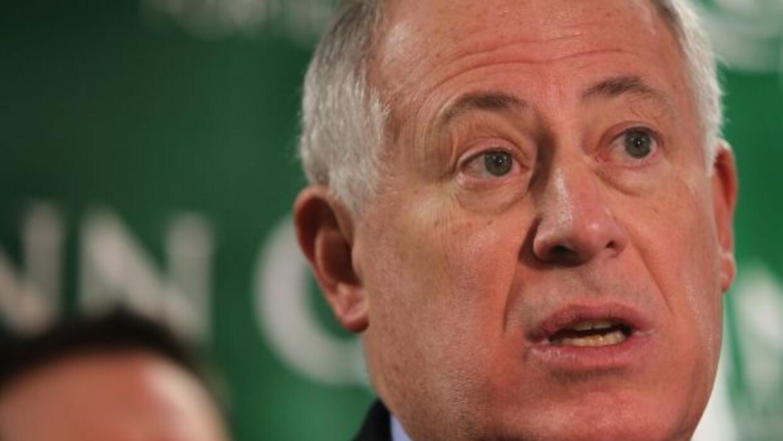 El gobernador Pat Quinn promulgó la abolición, a partir del 1 de julio,...