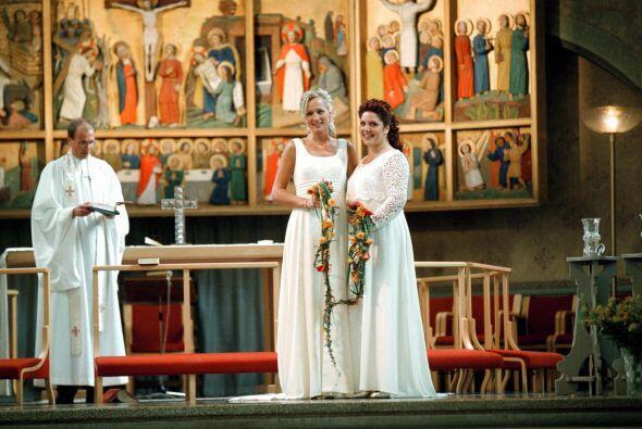 El matrimonio entre personas del mismo sexo en Suecia entró en vigor el...