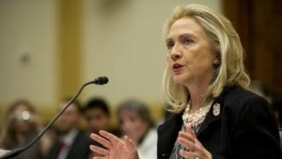 Hillary Clinton, compareció ante dos comités del Congreso para explicar...